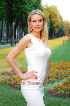 Ukrainian nerd dating christian